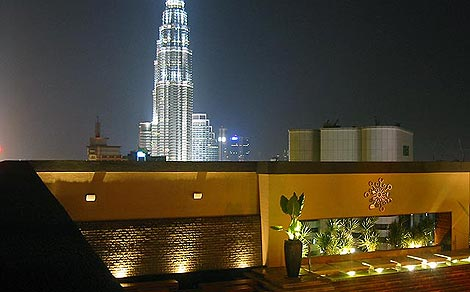 Luna Bar Twin Tower view