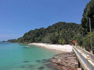 Pulau Kapas,  walkway connecting the beaches