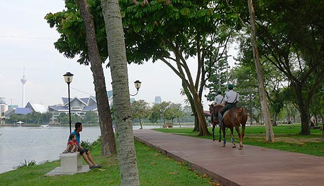 police patrol on horses