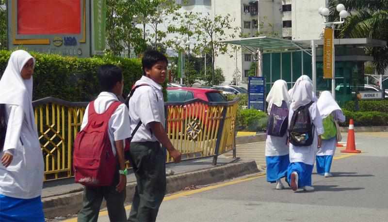 malay school kids