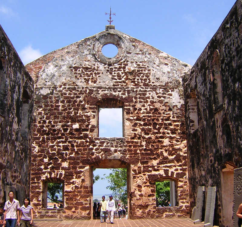St. Paul's Church, The ruin of St.Paul′s Church is located on top of St.Paul′s Hill and was one of five churches in the fortress complex A Famosa on the hill that was built by the Portuguese in 1521.