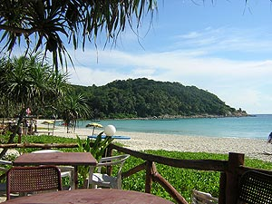 Pulau Perhentian Kecil, The small (=kecil) island. With plenty of low-priced accommodation the island is a backpackers favorite and can get quite crowded at peak season on Long Beach.
