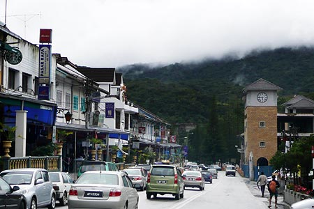 Tanah Rata, Main town in the Cameron Highlands (with Brinchang to the north and Ringlet to the south). Most budget guesthouses are here and it is the starting point for many jungle trails.