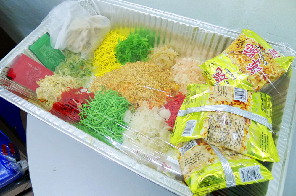 ready-made Yee Sang pack